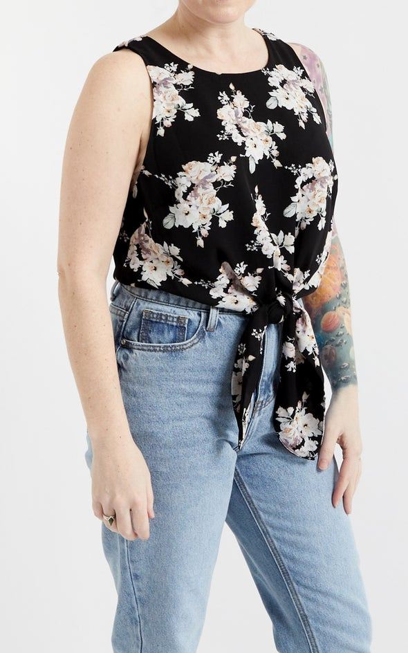 CDC Tie Front Shell Top Black/floral