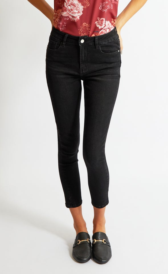 Essential Black Skinnys