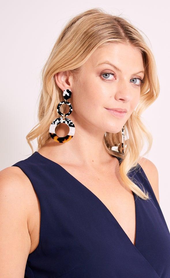 Shell Tier Drop Earrings